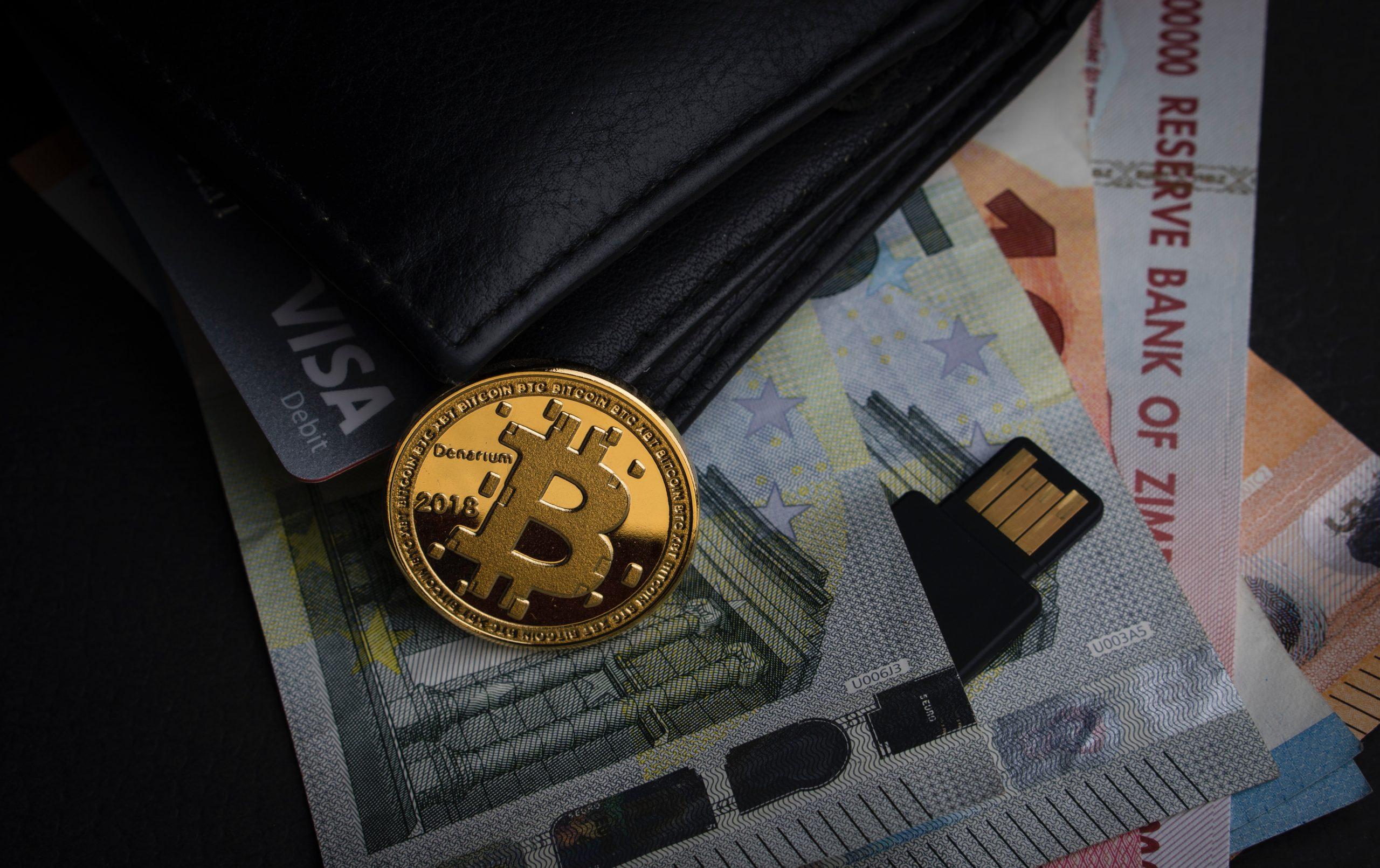 Un mundo virtual: ¿el dinero físico va a desaparecer?