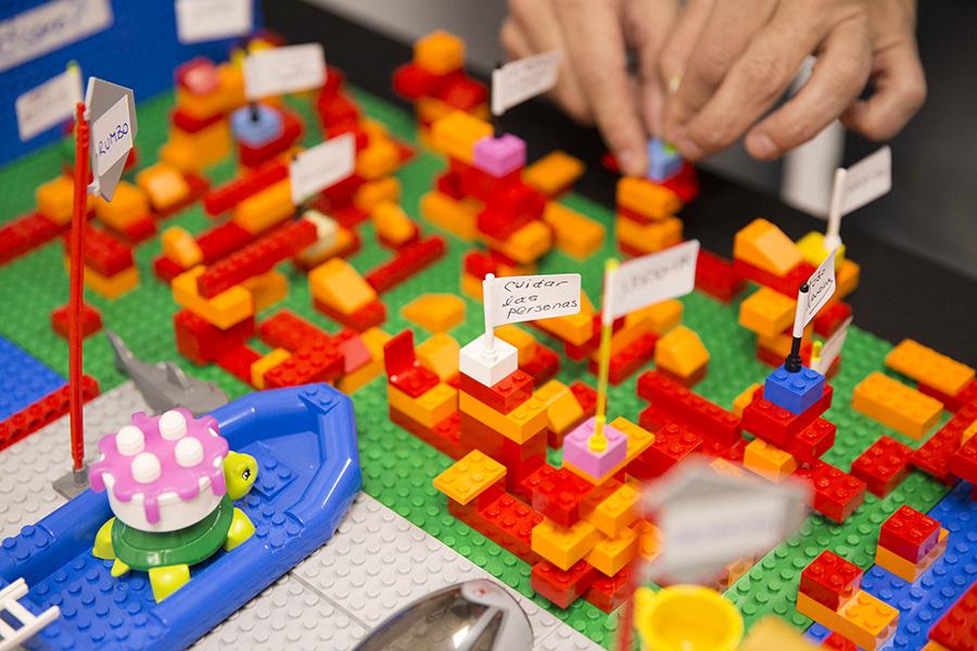 Grupo Clave aplica el 'método Lego' en su programa de coaching empresarial