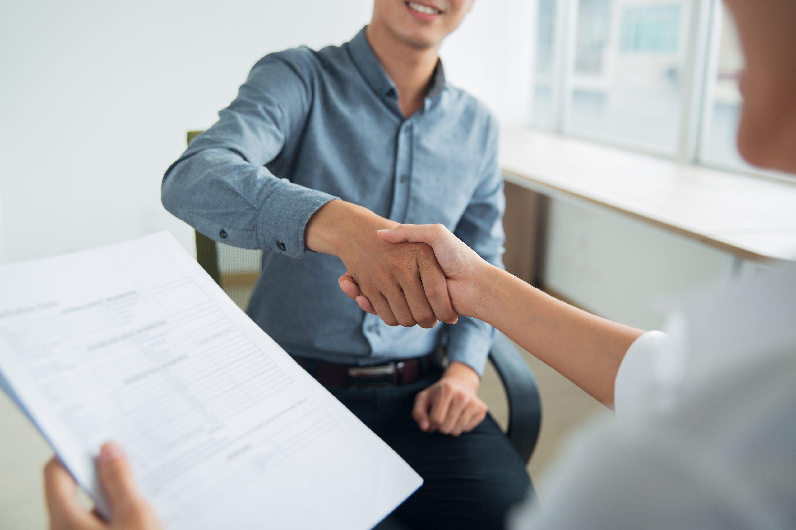 Prepárate para una entrevista de trabajo (de la era digital)