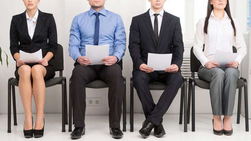 Acierta a vestirte para una entrevista de trabajo…también en verano