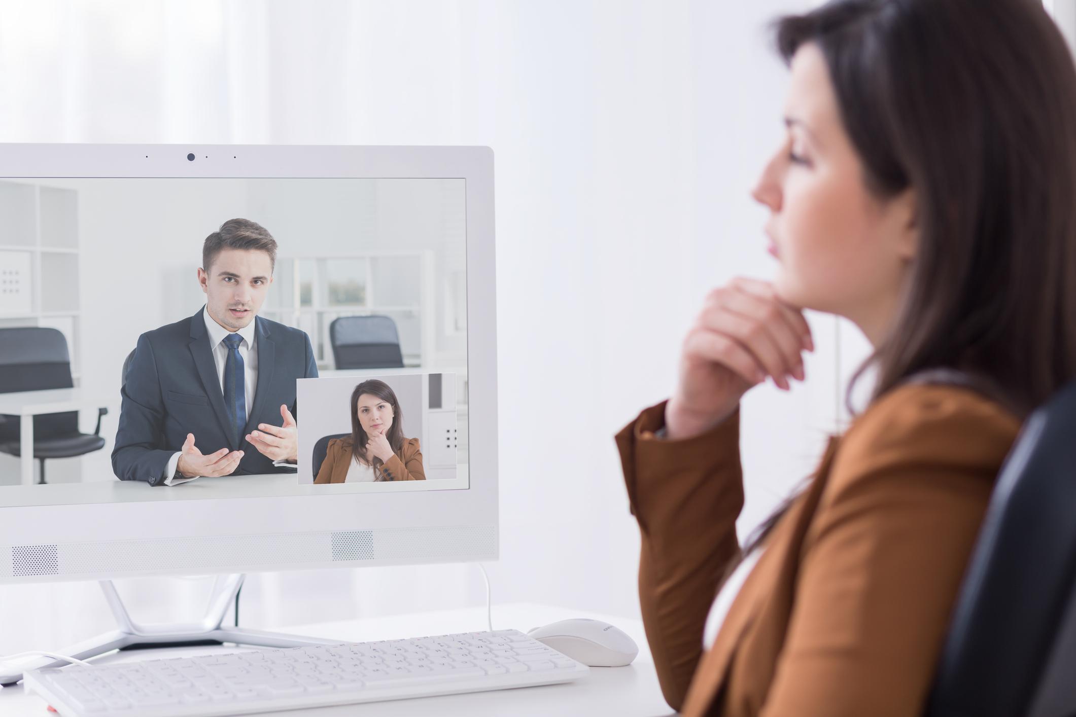 ¿Tienes una entrevista por videoconferencia? ¡Aprende a superarla!